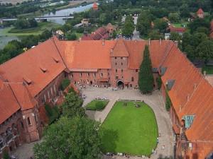średni zamek