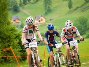 wyścig na rowerach w górach