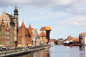 widok na starówkę Gdańska od strony rzeki