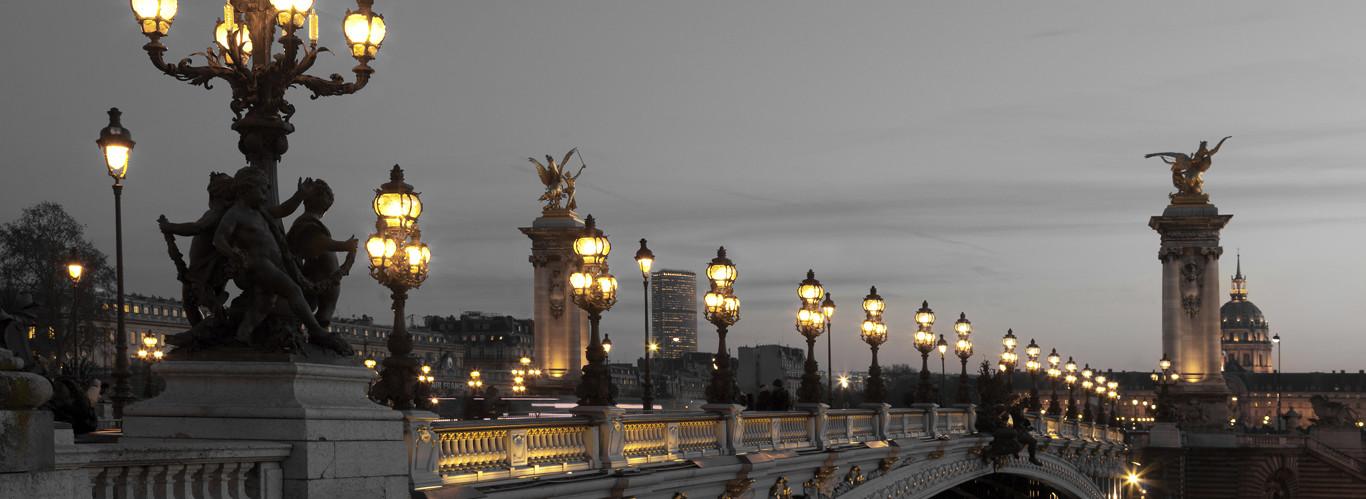 most w Paryżu